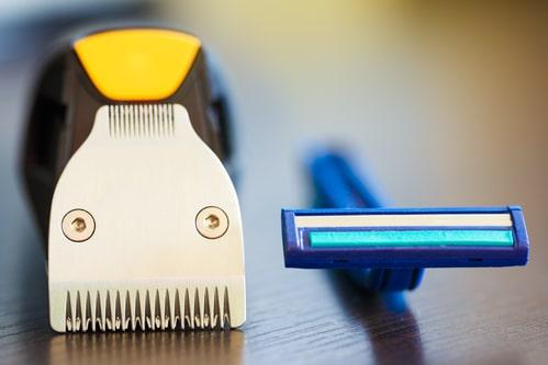 Pouvez-vous apporter une tondeuse à barbe à bord d'un avion?
