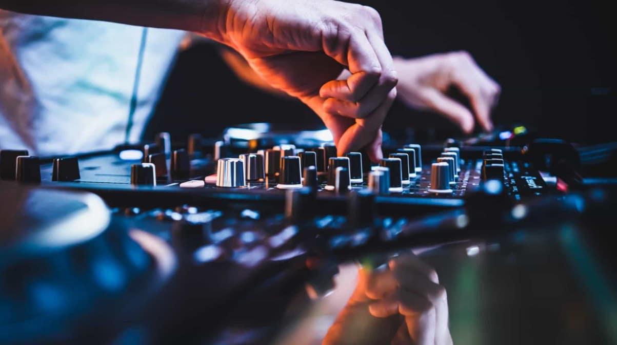 S'improviser DJ : comment réussir une playlist ?