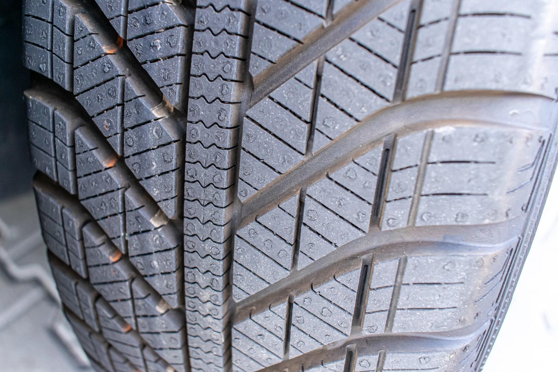Est-ce que les pneus 4 saisons sont homologué hiver?